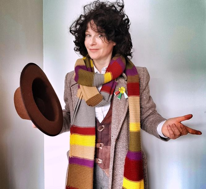 fourth doctor cosplay